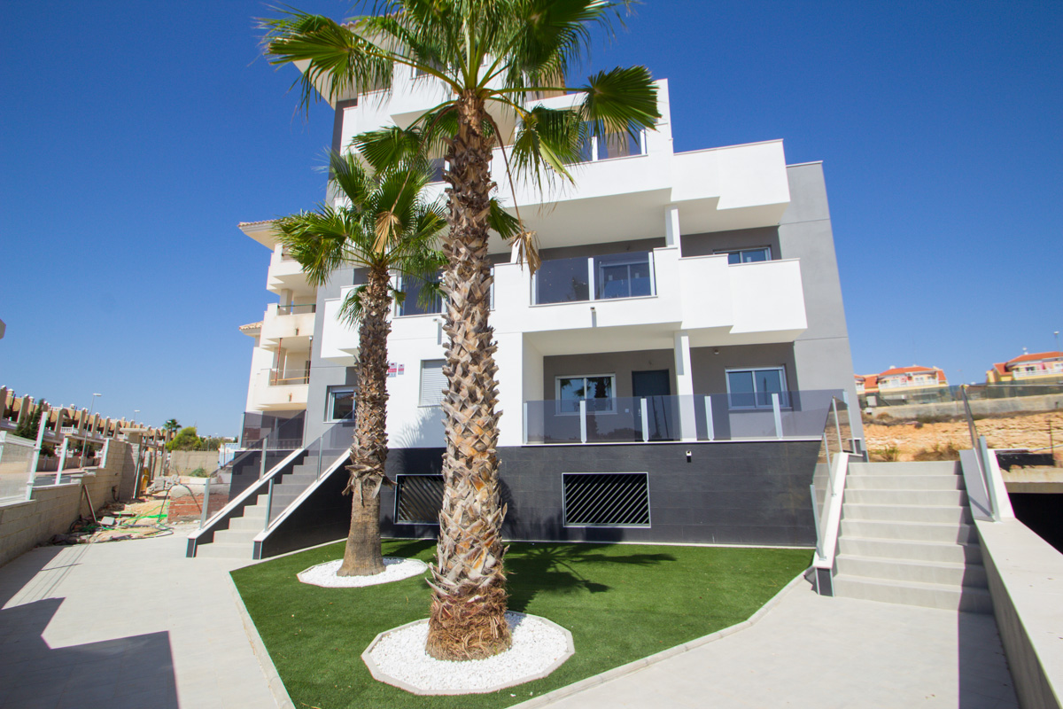APARTMENT IN LA FLORIDA, ORIHUELA COSTA IN ALICANTE